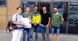Un escrito asinado por case 600 persoas pídelle ao Concello do Barco a subrogación dos traballadores da piscina cuberta