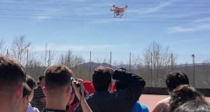 Taller infantil para aprender a montar e pilotar un dron, no Barco