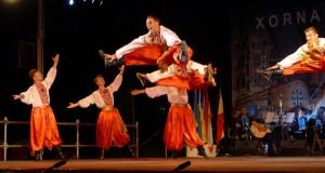 O Barco énchese de ritmos internacionais, danzas e cromatismo coas XXXV Xornadas de Folclore