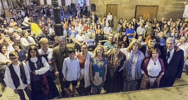 """A Ruada homenaxea a Clemente Macías """"Tito"""" na apertura das festas da Rúa Vella"""