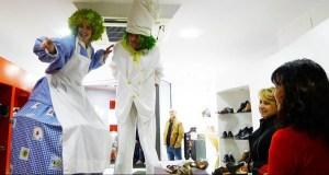 Actividades infantís de maxia, humor e malabarismo no X Mercaberto do Barco, o 24 de agosto
