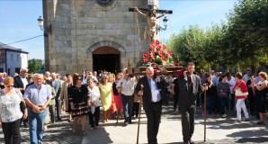 A procesión do Santo Cristo da Misericordia percorre as rúas da Pobra de Trives