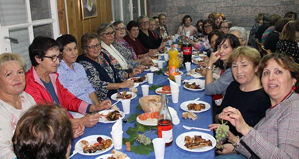 A asociación de amas de casa O Teixadal do Barco inaugura o curso 2018/2019