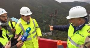 O delegado do Goberno en Galicia visita as obras da liña de alta velocidade no viaducto de Teixeiras e no túnel de Cerdedelo