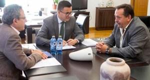 O alcalde de Larouco reúnese co conselleiro do Medio Rural