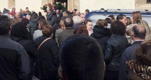 Consternación e dor na Rúa, no funeral das dúas xoves facelidas nun accidente en Chile