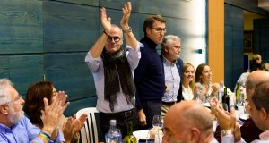 Feijóo participa no magosto do PP de Ourense