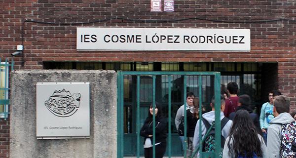 Un alumno do IES Cosme López da Rúa recibe un dos premios de ESO ao esforzo e superación persoal