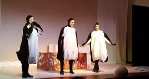"""O """"Proxecto Noé"""" de Sarabela enche o Auditorio de Trives"""