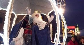 Un espectáculo de lume e fogos artificio para recibir aos Reis Magos no Carballiño