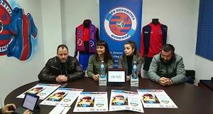 No UD Ourense-Racing Vilalbés recolleranse tapóns para o neno de Vilariño de Conso con diabete