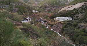 Os investigadores de Sputnik Labrego volven a Casaio para documentar os restos da mina de volframio de Valborraz