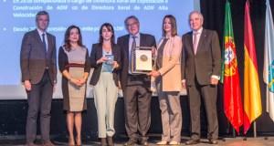 Medallas de ouro para Jose Albino Silva e Isabel Pardo na clausura da asemblea do Eixo Atlántico no Barco