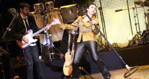 Luz Casal e a súa banda, co barquense Jorge Ojea á guitarra, actuará este venres en Ourense