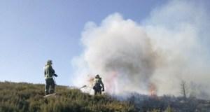Incendio forestal en Castromil (A Mezquita)
