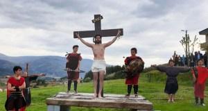 Rubiá escenifica a Paixón de Cristo