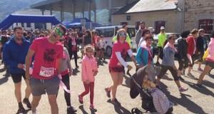 """Unhas 300 persoas camiñan e corren """"contra o cancro"""" na Rúa"""