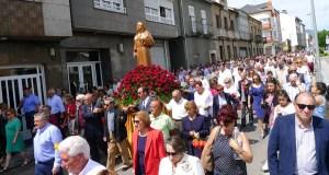 Multitudinaria procesión de Santa Rita no Barco