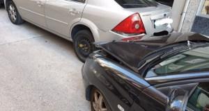 Un turismo choca no Barco con outro coche aparcado