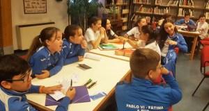 Os alumnos do Colexio Pablo VI-Fátima celebran o Día das Letras Inglesas na biblioteca ruesa