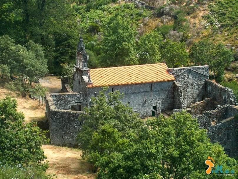 Mosteiro de Santa Maria das Júnias