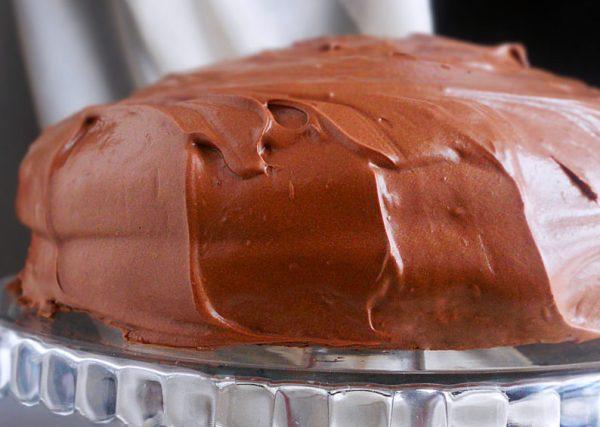 rustykalny tort czekoladowy