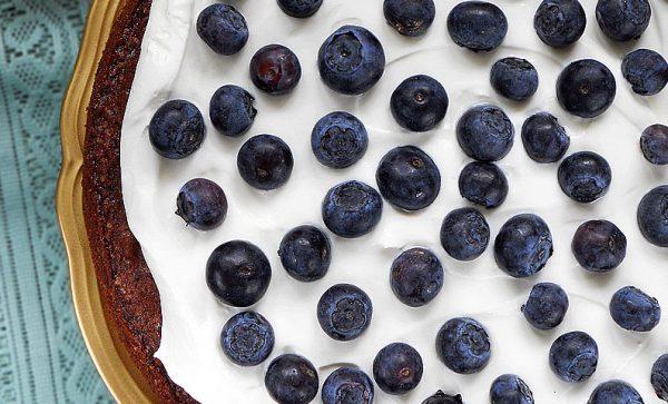 torcik jogurtowy z jagodami