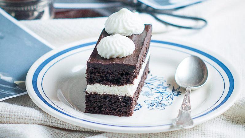 Arystokratka – kostka czekoladowa z bitą śmietaną