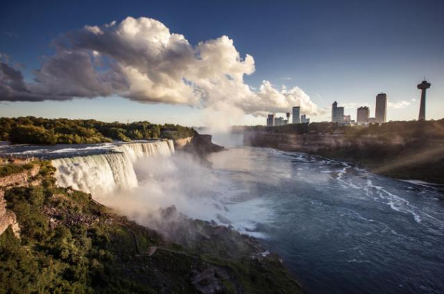 drinking water of the United States of America comes from Niagara Falls