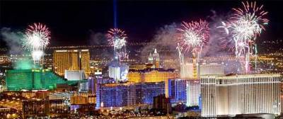 vegasnewyearseve_fireworks