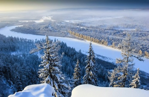 Chulman-River-Valley-in-Eastern-Siberia-in-winter