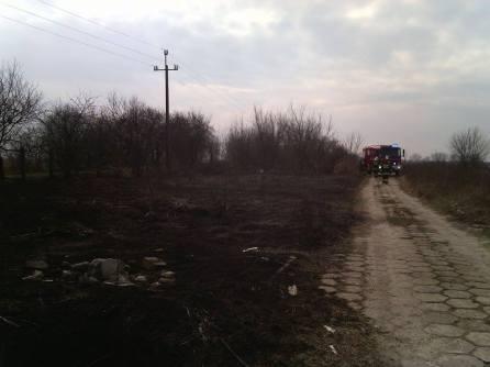 pożar trawy ul regulska wregułach zd2