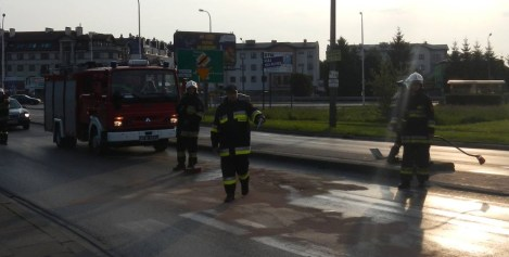 Kolizja pojazdów na Warszawskiej