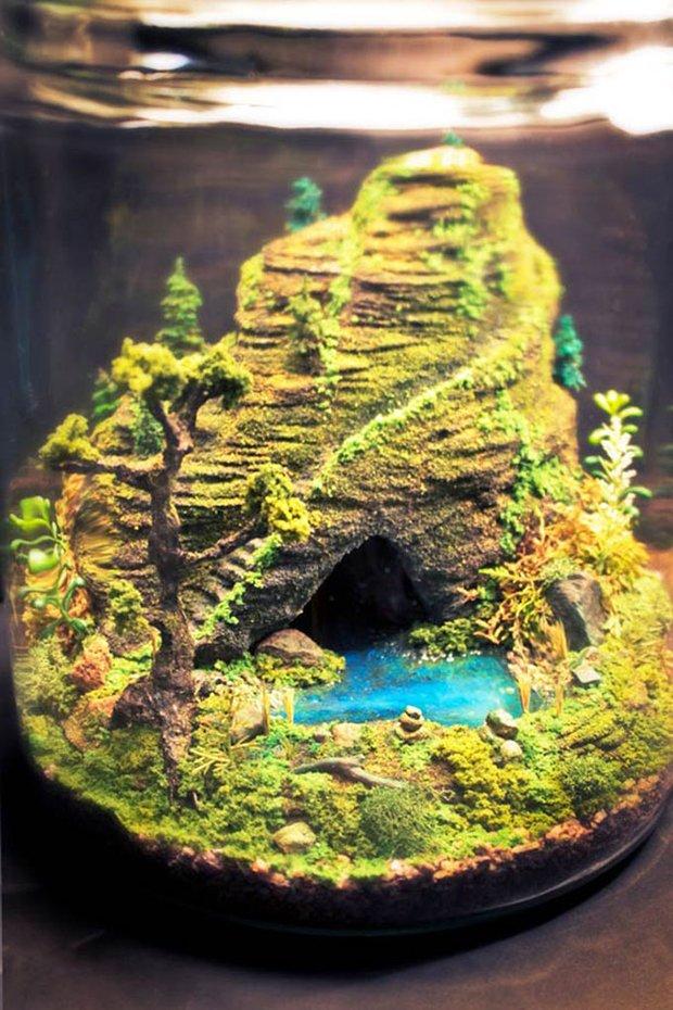 Esculturas dentro de um aqurio