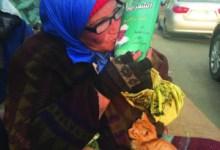 Photo of الأم المثالية لعام 2017 افترشت الرصيف 8 سنوات لتعيل أبناءها