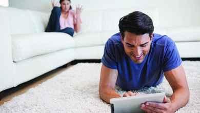 Photo of مواقـع التواصل الاجتماعي تُفَكّـك التـواصــل الزواجي والأسري