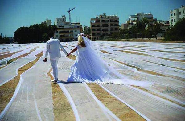 أطول طرحة زفاف لعروس تدخل «غينيس»!