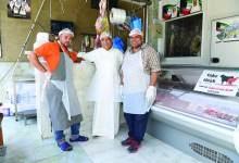 Photo of المهندس الجزار حسين بهبهاني:  فخور بنفسي ككويتي يعمل  في مهنة الجزارة الممتعة