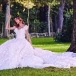 Marchesa وفساتين أفراح كلاسيكية مفعمة بالأنوثة