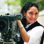 هيفاء المنصور أول سعودية تترشح لـجائزة الأسد الذهبي في «البندقية» السينمائي