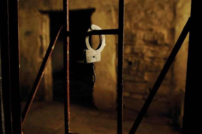 لأول مرة الأسير المحرّر : طارق جاسم الصانع يروي لـ أسرتي حكايات وطن لم تُكتب بحبر الأقلام بل بدماء الشهداء