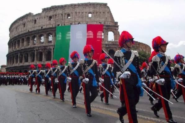 Carabinieri alla parata del 2 giugno a Roma