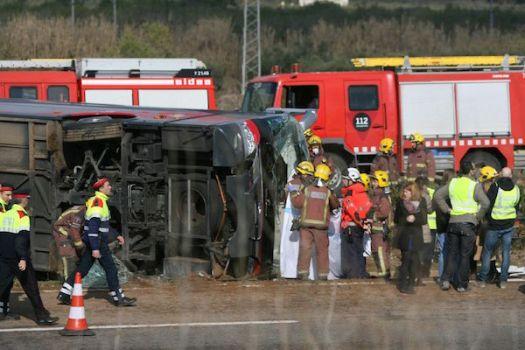 Ii tragico incidente del bus con a bordo un gruppo di studenti Erasmus
