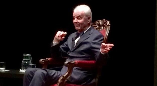 Paolo Poli nella sua ultima apparizione al Teatro Niccolini di Firenze l'8 gennaio 2016