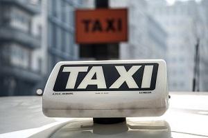Taxi, Sala: ci vuole buon senso, servono più licenze licenze per taxi