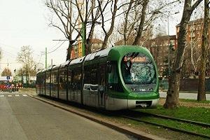 Ragazza molestata su un tram