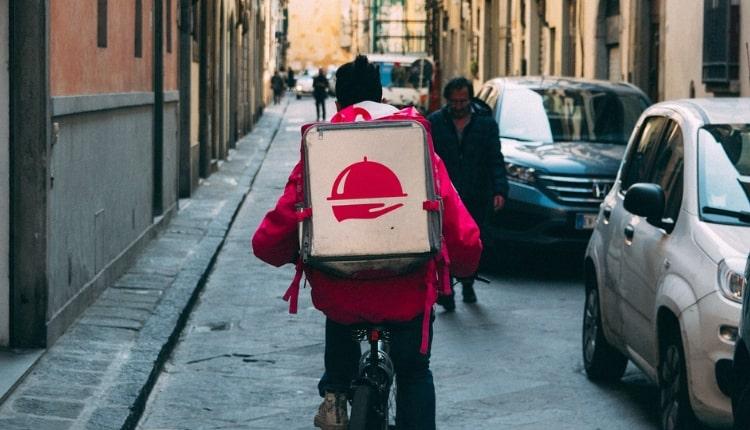 Riders: chi sono, come lavorano e cosa chiedono in Italia