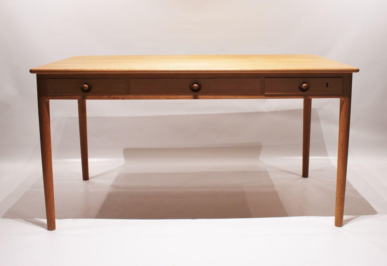 Osted Antik Design Skrivebord Model Pp305 I Saebebehandlet Eg Af Hans J Wegner Og Pp Mobler 1960