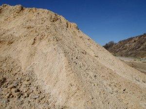 Clay dirt