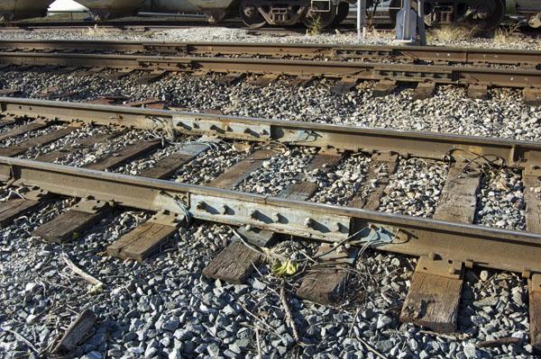 Bonded rail joints